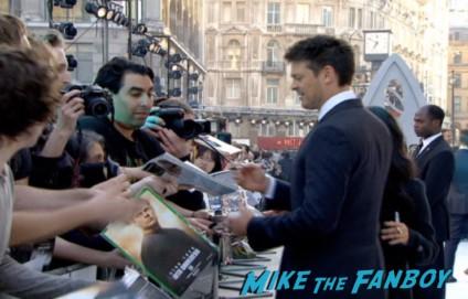 karl urban signing autographs Star Trek into darkness london movie premiere chris pine zachary quinto hot sexy photos