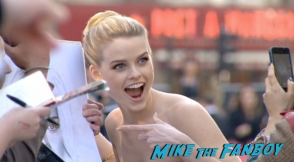 alice eve signing autographs Star Trek into darkness london movie premiere chris pine zachary quinto hot sexy photos