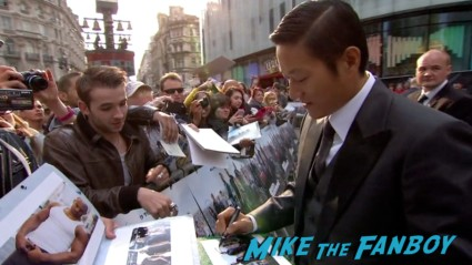 sung fang signing autographs Fast And Furious 6 London UK Premiere Report & Photo Gallery! Paul Walker! Luke Evans! Vin Diesel! Michelle Rodriguez! Jordana Brewster! Ludacris! Tyrese! Autographs! Photos! And More!