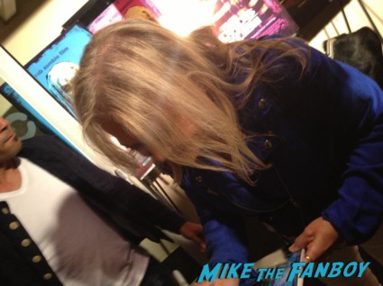 cindy geeson signing autographs for fans lords of salem movie premiere
