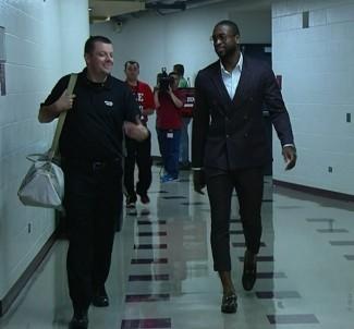 dwayne wade walking through the halls rare promo sports stars