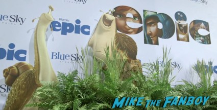 Amanda Seyfried red carpet Epic World Movie Premiere Photo Gallery! Colin Farrell! Amanda Seyfried! Jason Sudeikis! Chris O'Dowd! Kyle MacLachlan! MTF On The Red Carpet!