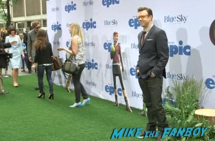 Jason Sudeikis red carpet Epic World Movie Premiere Photo Gallery! Colin Farrell! Amanda Seyfried! Jason Sudeikis! Chris O'Dowd! Kyle MacLachlan! MTF On The Red Carpet!