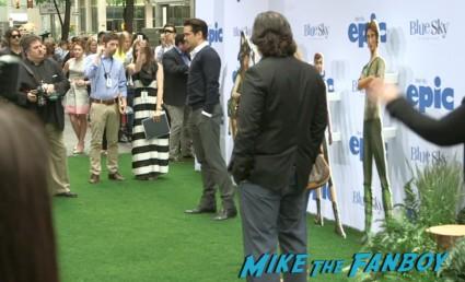 colin farrell  red carpet Epic World Movie Premiere Photo Gallery! Colin Farrell! Amanda Seyfried! Jason Sudeikis! Chris O'Dowd! Kyle MacLachlan! MTF On The Red Carpet!