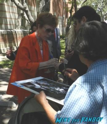 carol burnett signing autographs for fans at the festival of books 2013 debbie reynolds miss hannigan press promo still Carol Burnett Headshot rare promo red head hot