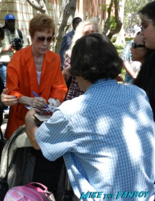 carol burnett signing autographs for fans at the festival of books 2013 debbie reynolds miss hannigan press promo still Carol Burnett Headshot rare promo red head hot