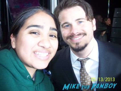 jason ritter signing autographs fox fanfront 2013 signing autographs david borenaz (1)