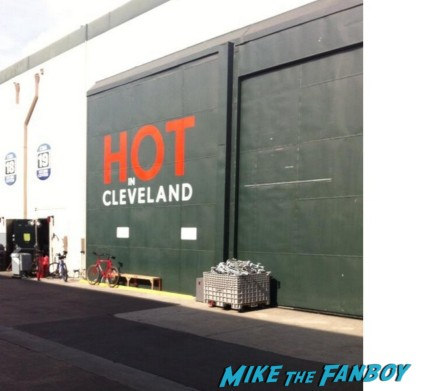 hot in cleveland logo stage door television taping rare