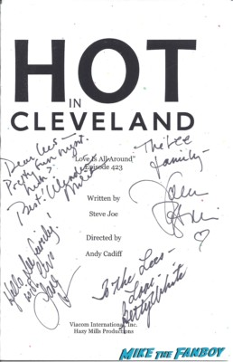 hot in cleveland cast signed autograph script rare promo betty white jane leeves