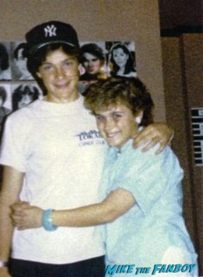 Pinky with Jason Bateman in the 1980's rare the hogan family rare signing autographs for fans