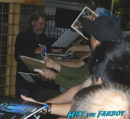 kurt russell signing autographs for fans hot sexy jack burton 012