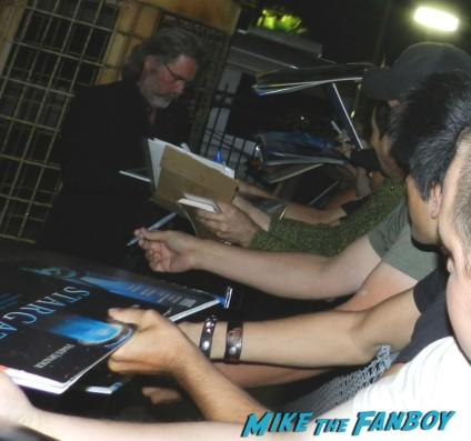 kurt russell signing autographs for fans hot sexy jack burton 015