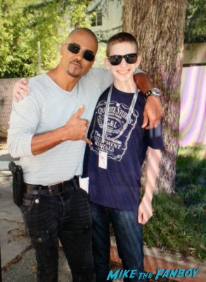 Shemar Moore fan photo signing autographs for fans hot rare criminal minds star