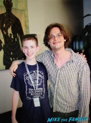 Matthew Gray Gubler fan photo signing autographs for fans hot rare criminal minds star