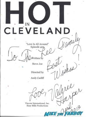 Valerie Harper signed autograph hot in cleveland script rare promo