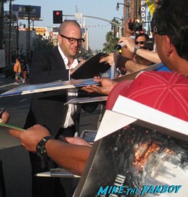 damon lindeloff signing autographs at the  arriving to the star trek into darkness los angeles premeire chris pine zoe saldana