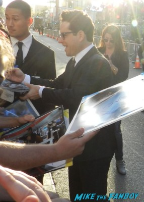 J.J. Abrams signing autographs at the star trek into darkness movie premiere signing autographs chris 095