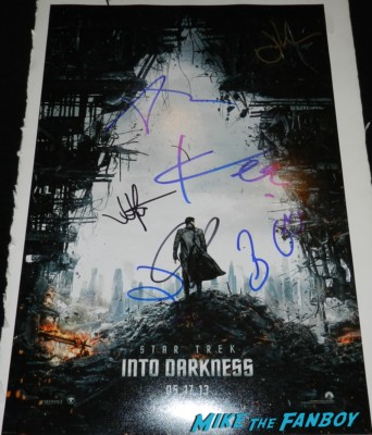 star trek into darkness teaser movie poster signed by the cast chris pine zoe saldana karl urban movie premiere signing autographs chris 156
