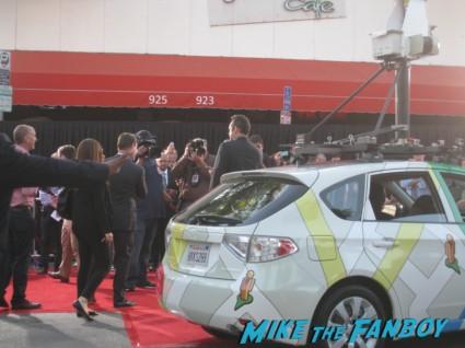 vince vaughn and owen wilson arriving at the internship movie premiere red carpet vince vaughn owen wilson signing autographs (11)