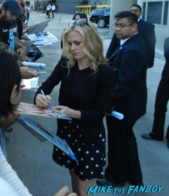 Anna Paquin signing autographs for fans jimmy kimmel true blood 030