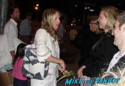 hope davis signing autogaphs for fans are god of carnage outside los angeles