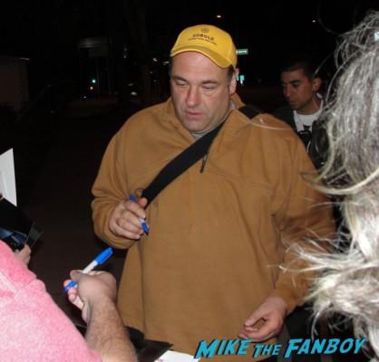 James Gandolfini signing autographs for fans rare tony soprano promo rare hot