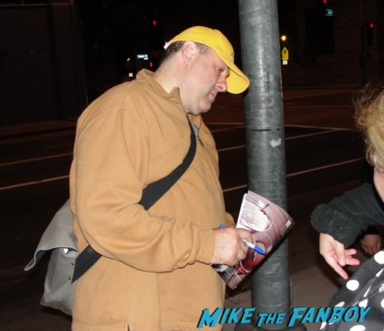 James Gandolfini signing autographs for fans rare tony soprano promo rare hot