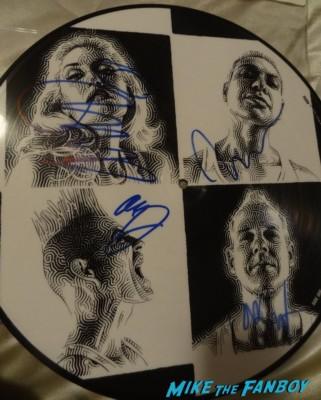 no doubt signed autograph push and shove picture disc gwen stefani signing autographs for fans Gwen stefani signing autographs for fans at the Monsters university movie premiere