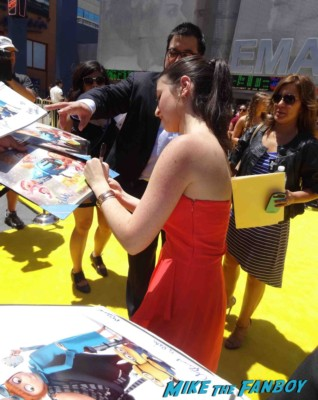 Dana Galer  signing autographs Despicable Me 2 movie premiere red carpet steve carell rare