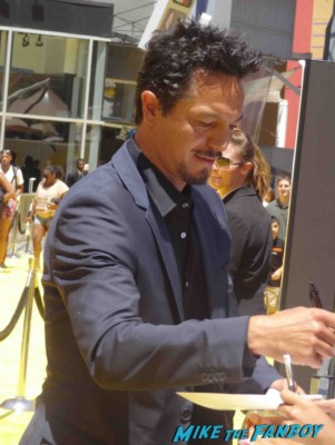 Benjamin Bratt  signing autographs Despicable Me 2 movie premiere red carpet steve carell rare
