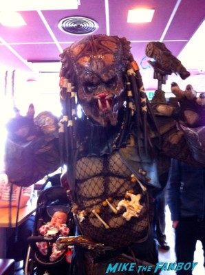 predator cosplay at collectormania in london