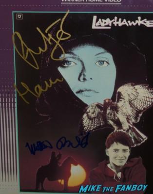 rutger hauer signing autographs for fans True Blood Season 6 Premiere! Alexander Skarsgard! Sam Trammell! Rutina Wesley! Joe Manganiello! Rutger Hauer! Deborah Ann Woll! Alan Ball! Kristin Bauer! Autographs! Photos! And More!