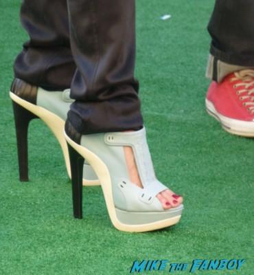 Gwen Stefani's shoes Gwen Stefani and Gavin Rossdale arriving at the Monsters University premiere