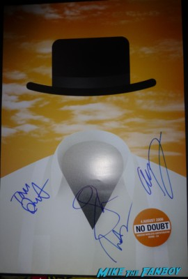 no doubt signed autograph 2009 tour poster rare promo orange county tom dumont gwen stefani Gwen Stefani and Gavin Rossdale arriving at the Monsters University premiere