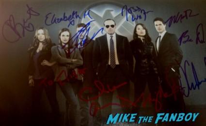 agents of S.H.I.E.L.D. signed autograph photo rare promo Elizabeth Henstridge Chloe Bennet signing autographs for fans fan photo rare