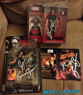 kurt Russell signed autograph action figure dvd set john carpenter rare promo set hot