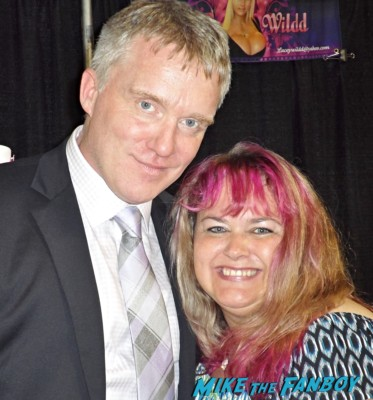 anthony michael hall signing autographs for fans 16 candles breakfast club sexy