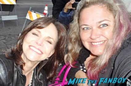 Sally Field signing autographs for fans fan photo rare meeting hot rare steel magnolias star soapdish