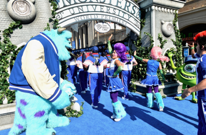 john ratzenburger on the red carpet at the Monsters University Movie Premiere Photos! Billy Crystal! Gwen Stefani! Gavin Rossdale! Sean Hayes! Beth Behrs! John Ratzenburger! Mike! Sully! And More!