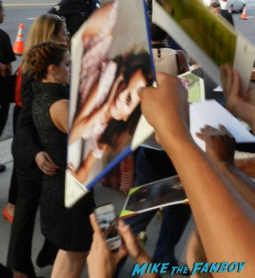 emma watson signing autographs at the bling ring movie premiere emma watson signing autographs 026