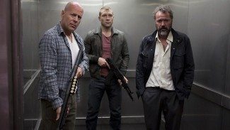 Bruce Willis Jai Courtney A Good Day to die hard press promo still hot sexy rare a-good-day-to-die-hard-willis-smile