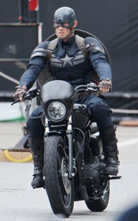 Captain America The Winter Soldier New suit set photos