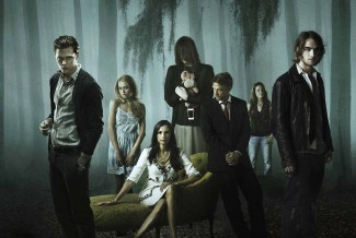 hemlock-grove rare cast photo season 1 famke janssen rare romo