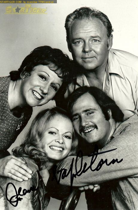 Jean stapleton signed autograph all in the famil cast photo rare promo edith bunker