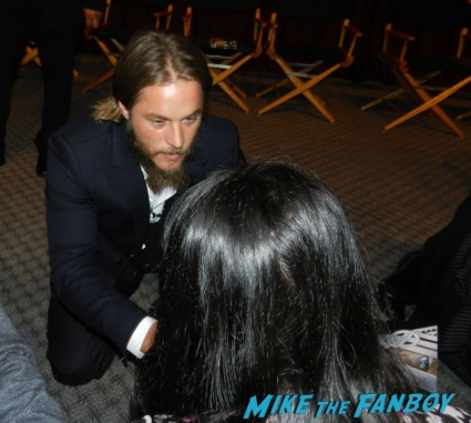 travis fimmel signing autographs fan photo vikings cast q and a television academy 206