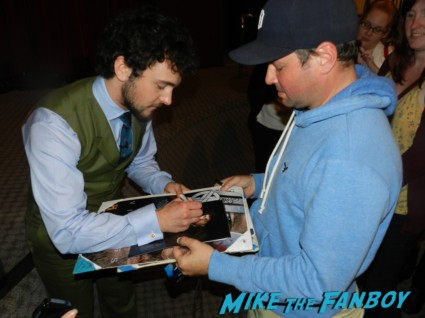 george blagden signing autographs vikings cast q and a television academy 208