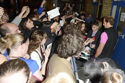 daniel radcliffe signing autographs for fans rare