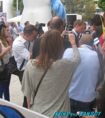 neil patrick harris arriving to the the smurfs 2 movie premiere rare red carpet promo