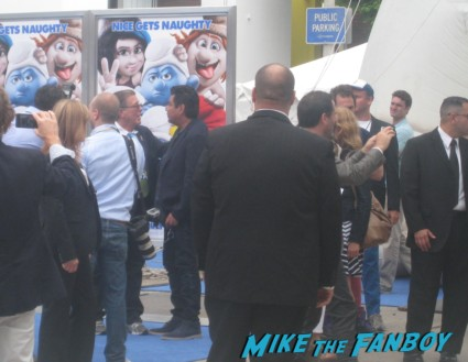 george lopez arriving to the the smurfs 2 movie premiere rare red carpet promo