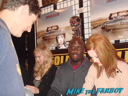 shirley manson green signing autographs for fans Terminator the sarah connor chronicles car at the autograph signing golden apple comics shirley Manson